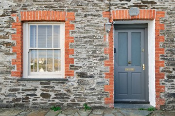 Using a local solicitor for your conveyancing